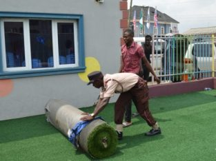 Distributor Of Synthetic Green Grass In Ikeja