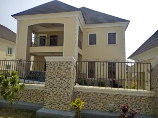 Private: Six-bedroom DUPLEX for Sale